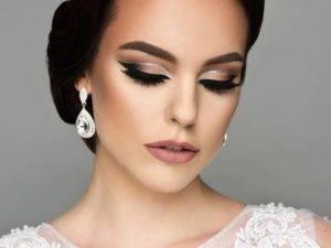 Как подобрать образ подружки невесты?