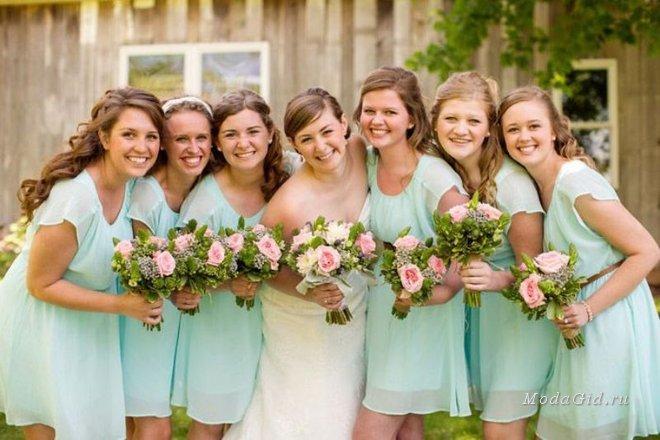 Платье на свадьбу для подружки невесты: фасоны в васильковом цвете