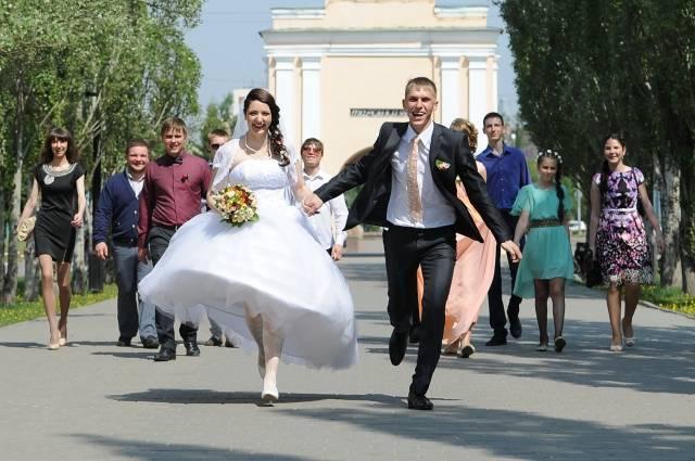 Знакомство родителей жениха и невесты: какие правила нужно знать