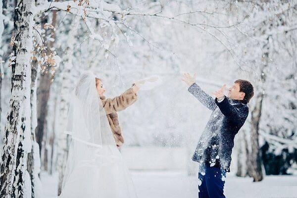 Как провести необычную свадебную фотосессию в лесу: советы лучших фотографов
