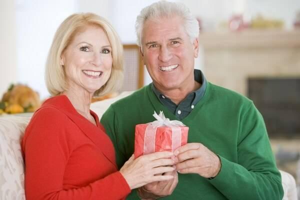 Что дарят на 40 лет свадьбы?