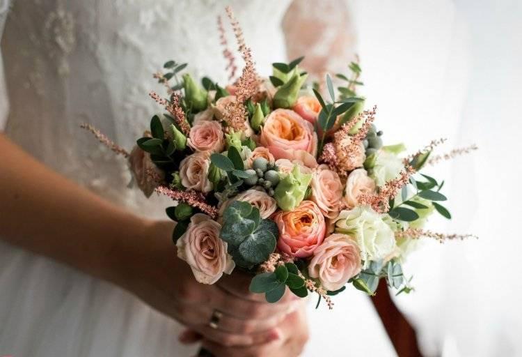Что означает примета поймать букет невесты на свадьбе