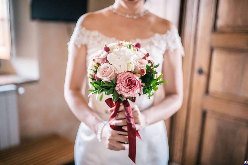 Букеты на свадьбу  оригинальный свадебный букет