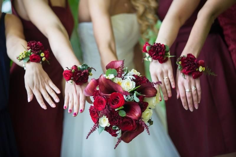 Браслеты подружкам невесты своими руками: мастер-класс, пошаговое фото и алгоритм выполнения