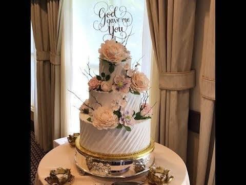 Самые красивые трёхъярусные свадебные торты: идеи по оформлению