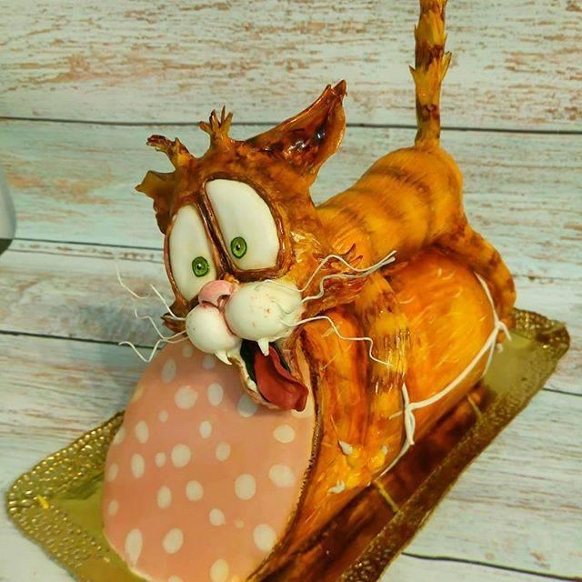Фигурки на свадебный торт: стильный аксессуар или ненужное усложнение? 55 фото-идей!