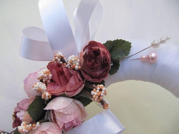 Как выбрать свадебный венок на голову из живых цветов?