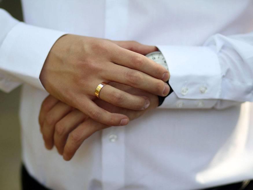 На какой руке правильно носить обручальное кольцо