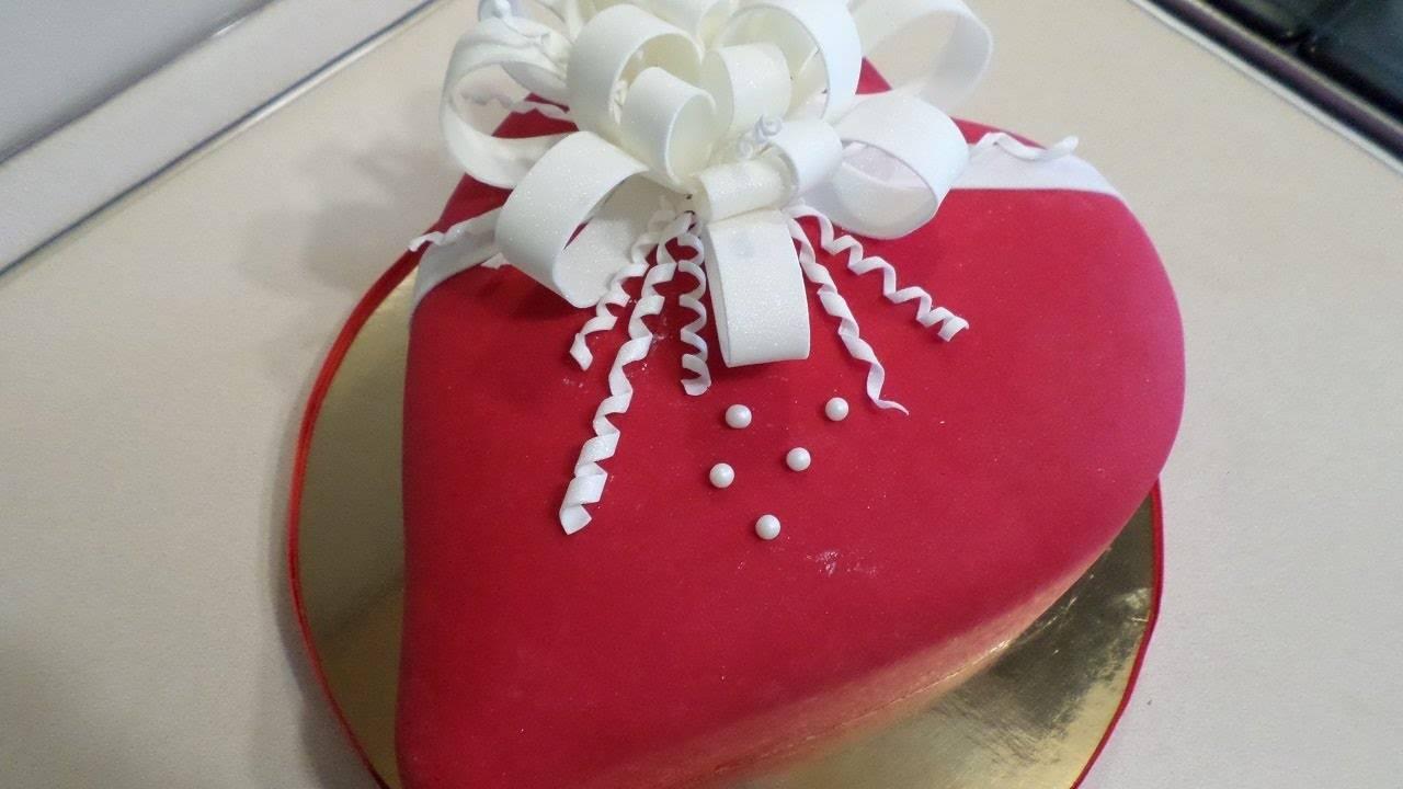 Как правильно выбирать свадебные торты из мастики