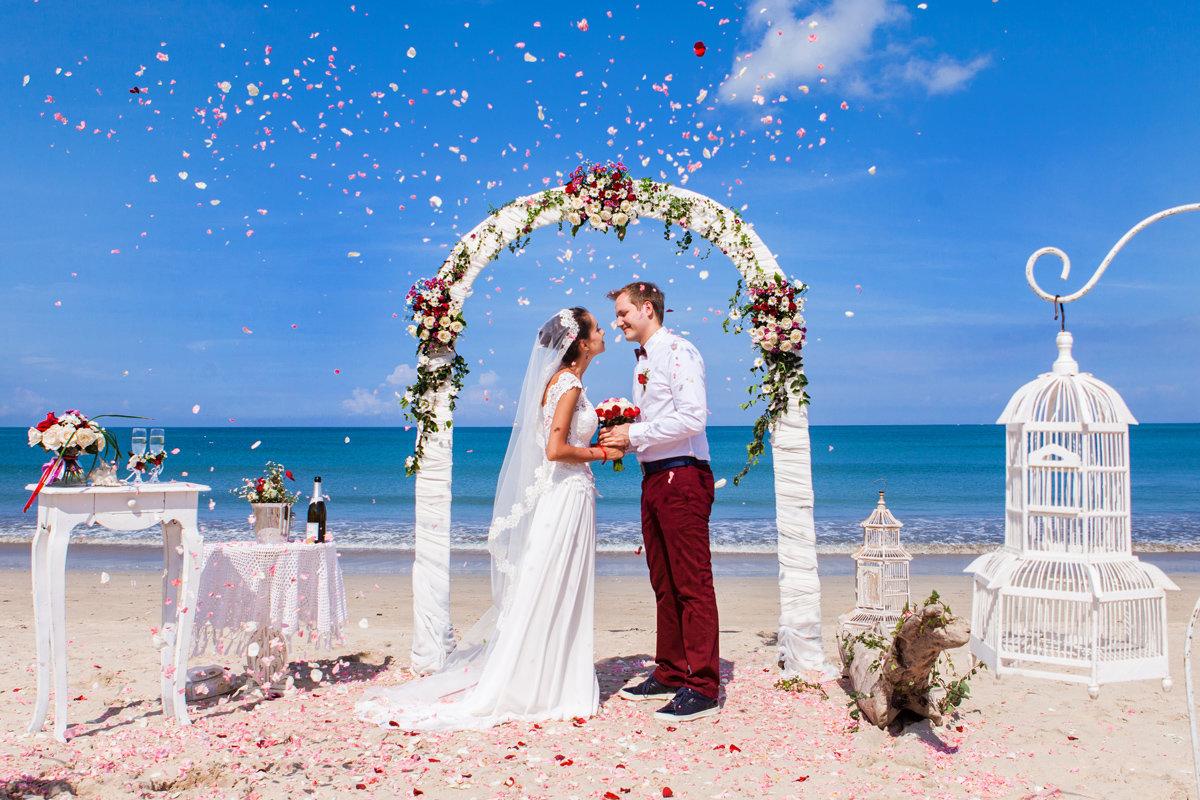 Как проходит официальная свадебная церемония на бали?