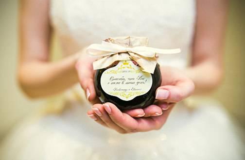 Подарки гостям на свадьбе: интересные идеи и советы
