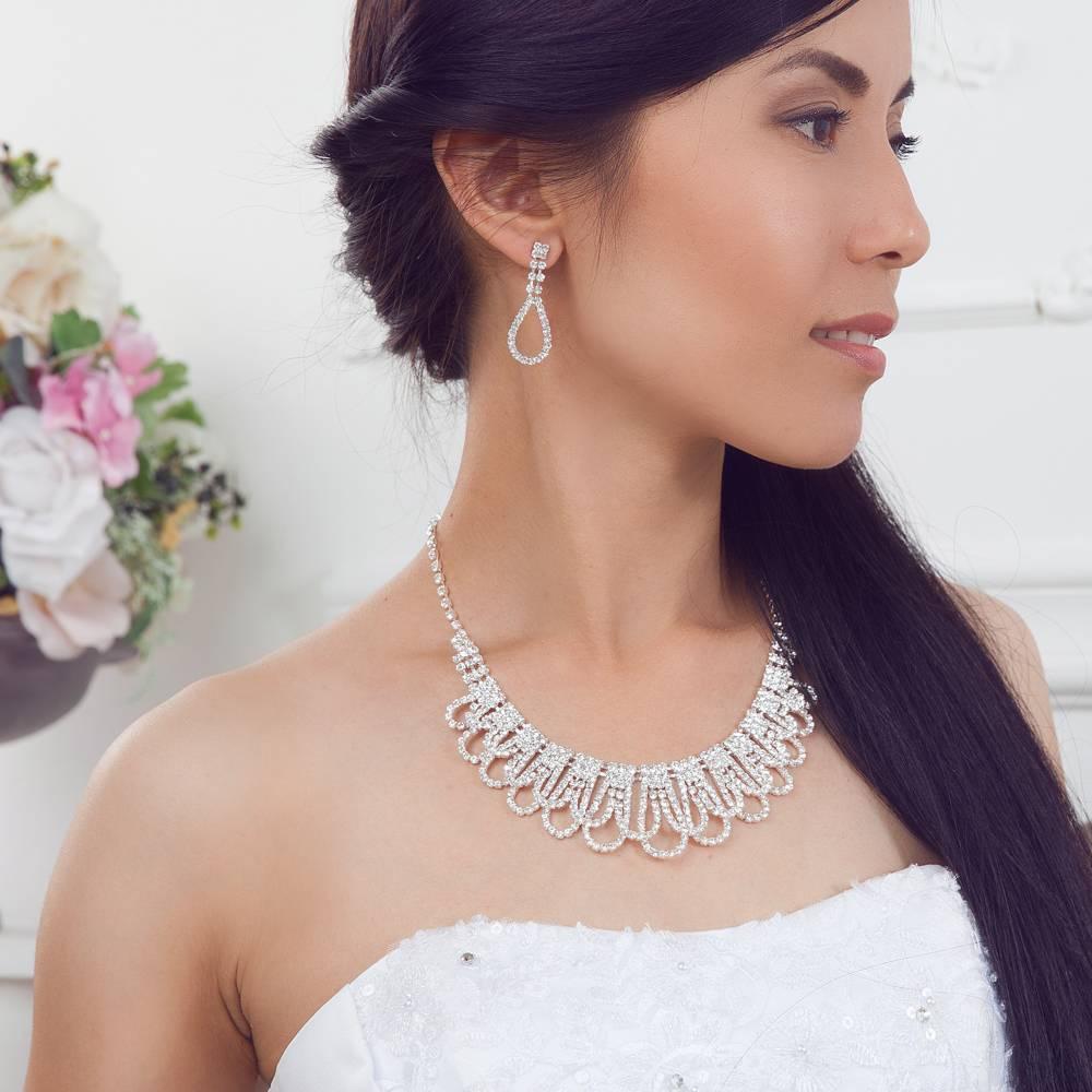 Модные и стильные свадебные серьги для невесты – длинные, крупные, гвоздики, эксклюзивные колье и серьги на свадьбу