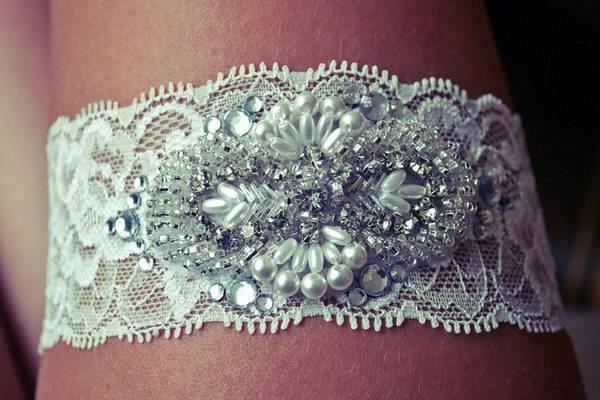 Подвязка для невесты своими руками: 5 пошаговых мастер-классов