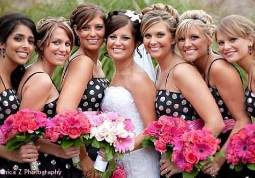Прически на свадьбу для гостей: красивые идеи для подружек невесты, мам и сестер