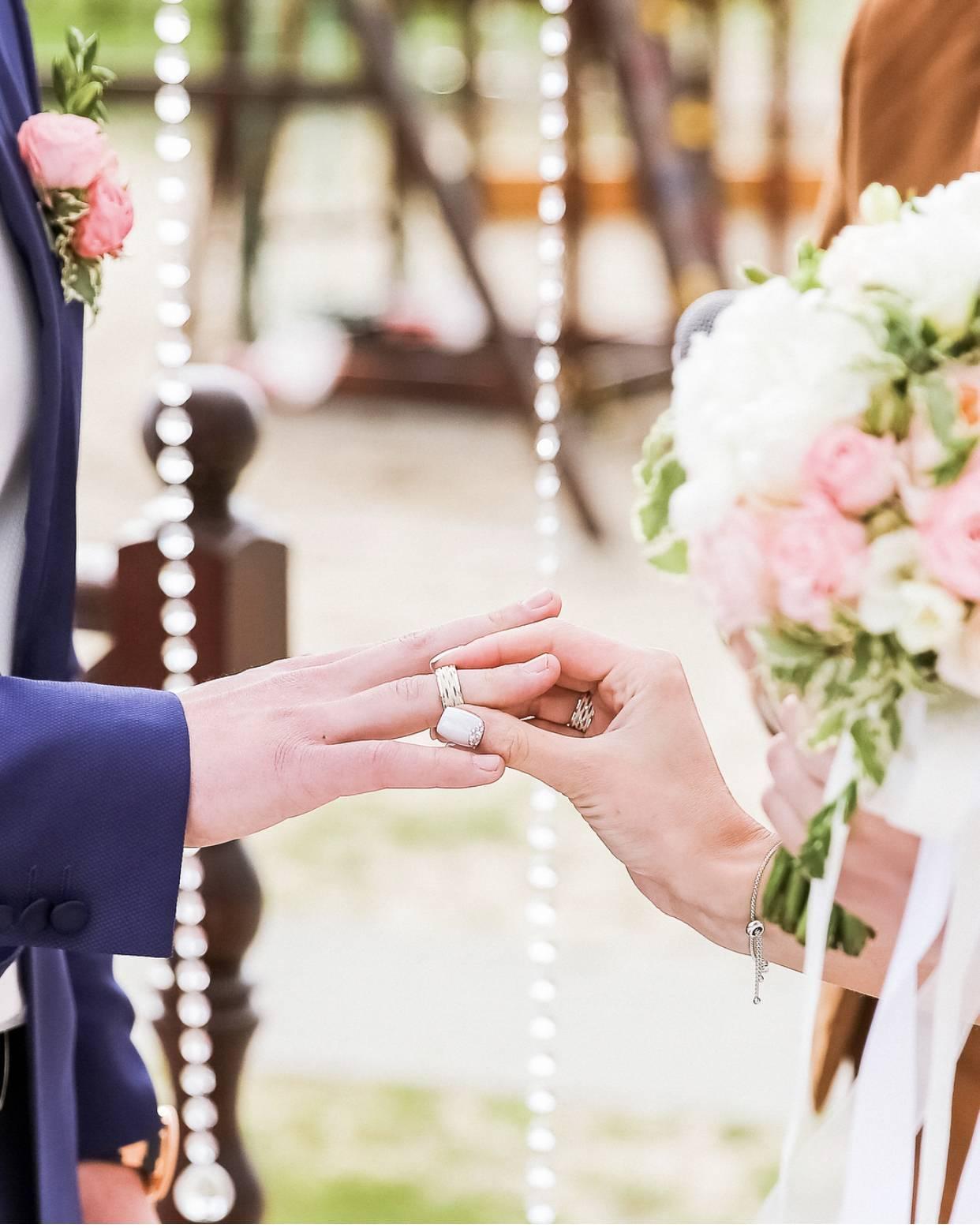 Свадебный банкет в шатре: за и против