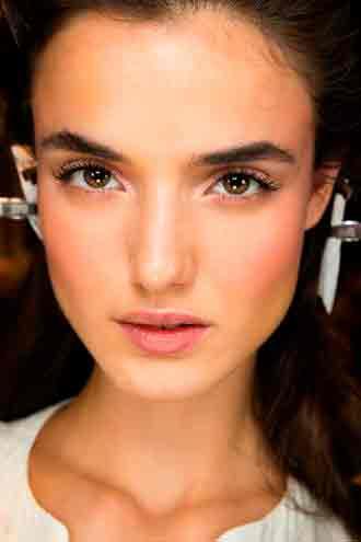 Модный макияж для карих глаз 2016 тенденции 52 фото