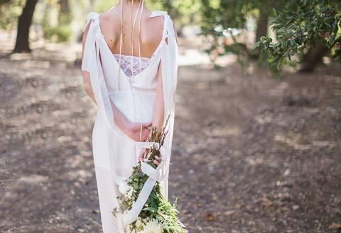 Свадебные прически в греческом стиле: фото с фатой и без