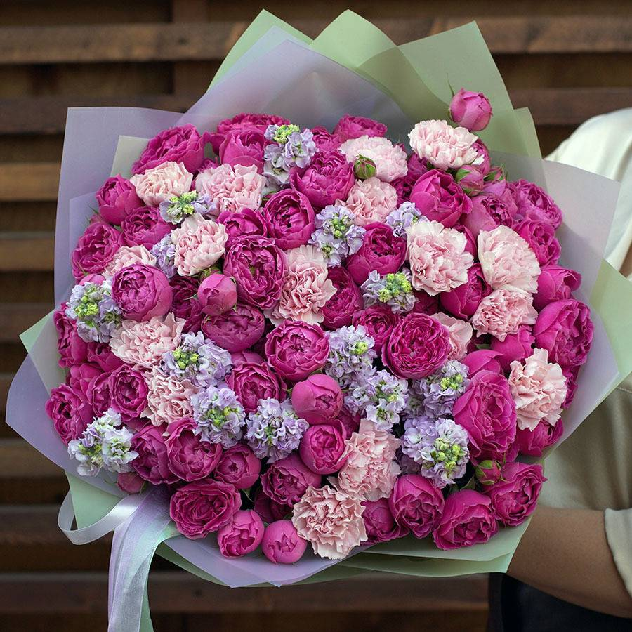 Свадебный букет невесты из роз: оригинальные идеи цветочных композиций