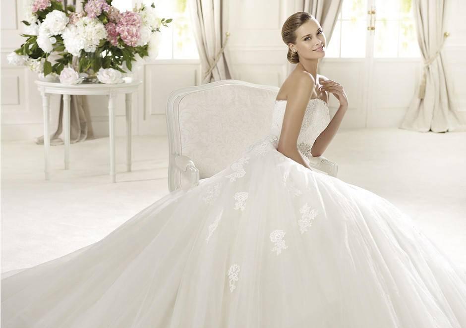 Платье с корсетом – для идеального образа
