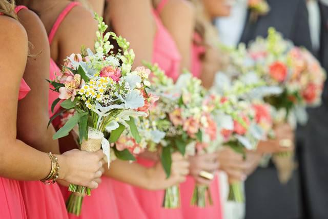 Поздравления на свадьбу прикольные короткие и смешные своими словами
