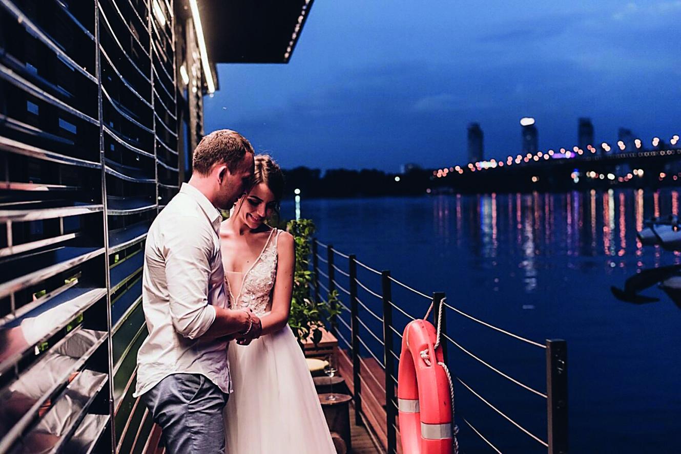 Свадьба за границей: вместо загса и банкета - замки, яхты и пляжи