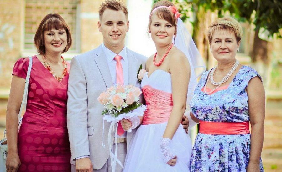 Прически на свадьбу 2018  для мамы невесты