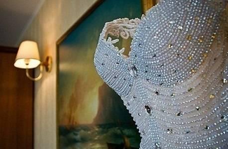 Свадебные платья со стразами, камнями, бисером