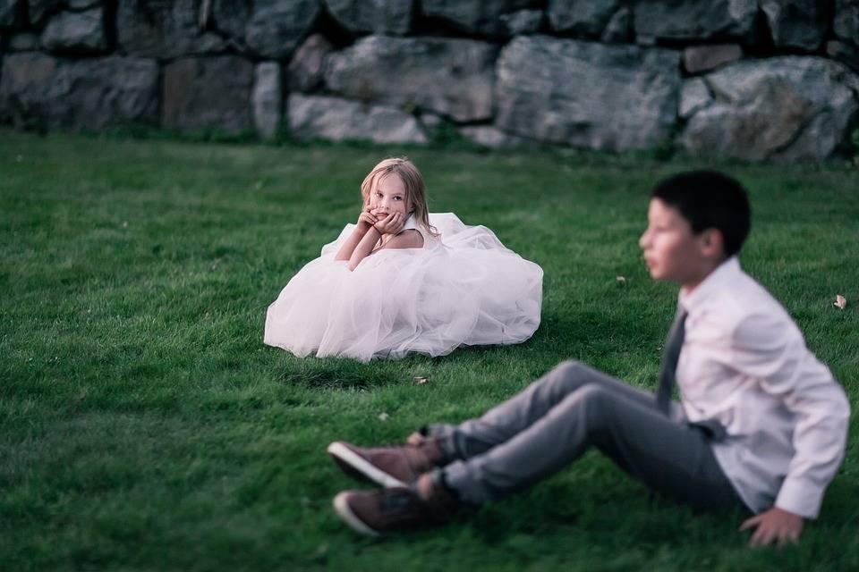 Конкурсы на мальчика и девочку на свадьбе: топ-8 вариантов гадания на первенца