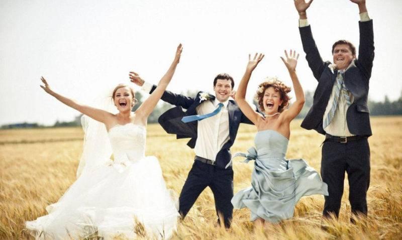 Что делает свидетель на свадьбе: обязанности и приметы для дружка и дружки