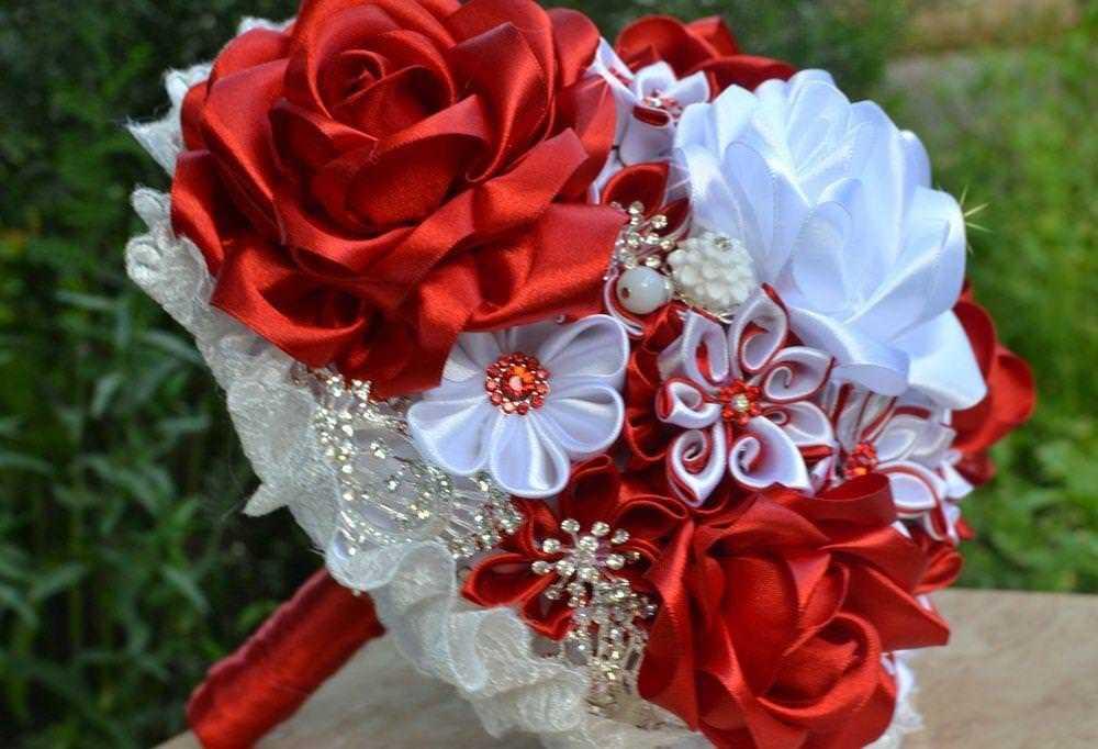 Букет невесты из атласных лент — несколько стильных вариантов