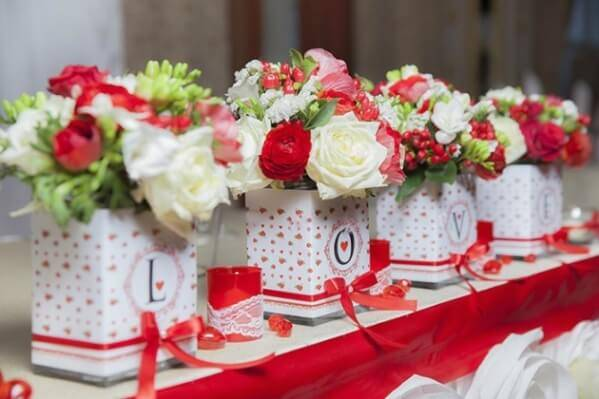 Сиреневый букет для невесты (70 фото): свадебные букеты в сиреневом цвете с белыми и нежно-персиковыми тонами