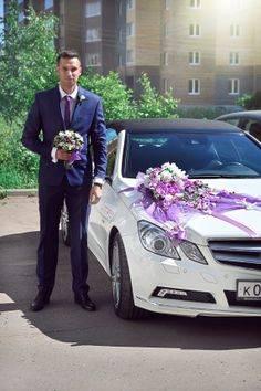 Как выбрать и украсить машины гостей на свадьбу?