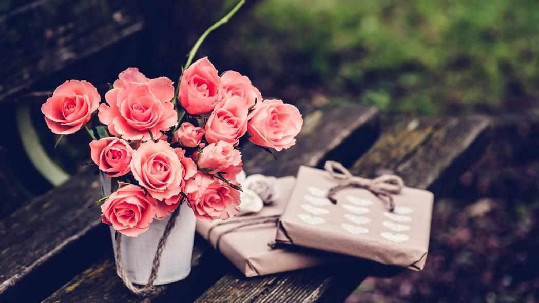 Что дарить на 17 (розовую) годовщину свадьбы?