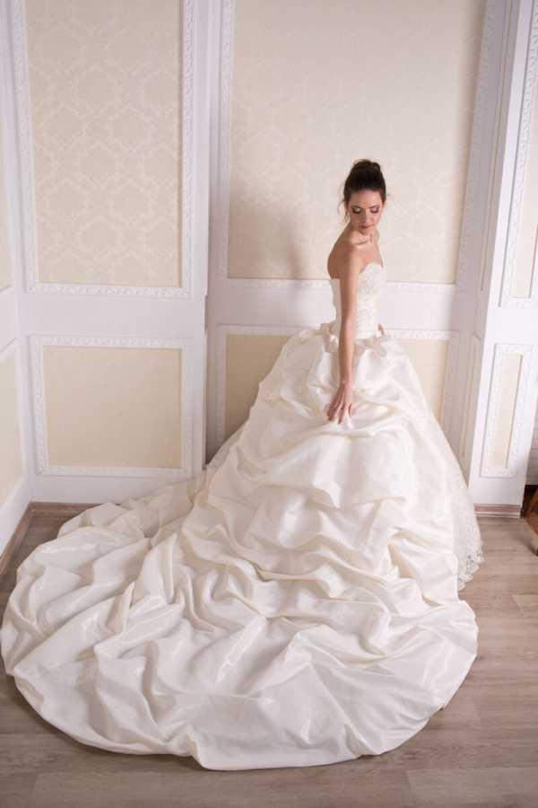 Мужские костюмы на свадьбу: правила выбора