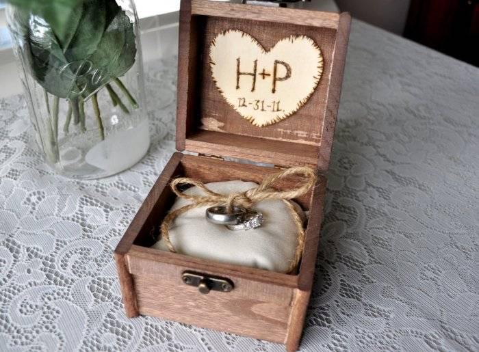 Шкатулка для колец на свадьбу своими руками – как сделать?