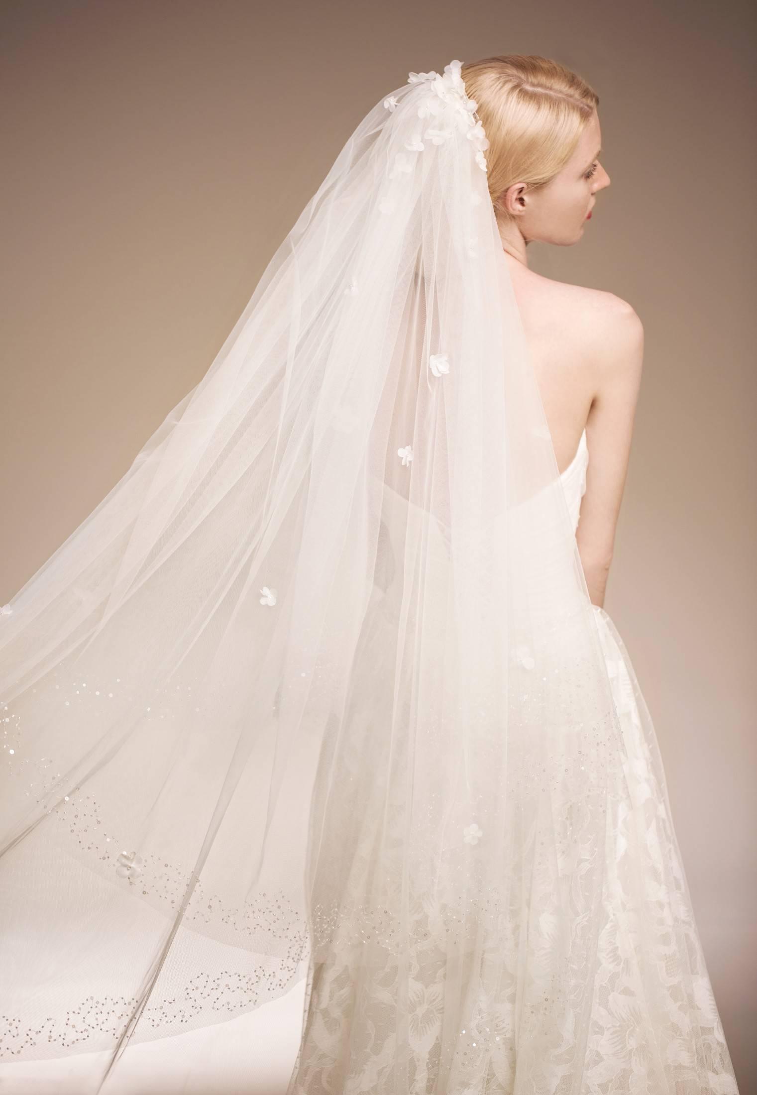 Свадебные прически с фатой. более 145 фото укладок на свадьбу с вуалью.