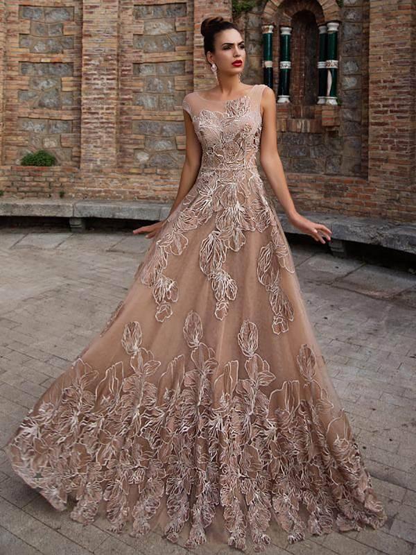 Самые красивые платья с открытой спиной 2020-2021: модные новинки, фото, тренды