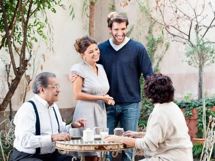 Знакомство родителей жениха и невесты: советы для первой встречи
