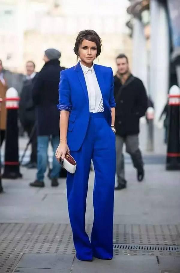 Женские костюмы 2019-2020 года: модные тенденции, фото.