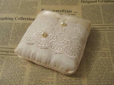 Свадебная подушечка для колец своими руками: оригинальные идеи для разного стиля свадьбы