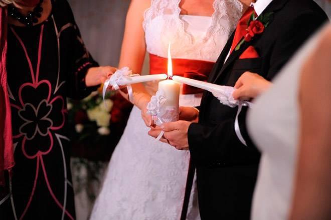 Семейный очаг на свадьбе: история и проведение ритуала