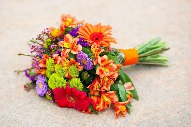 Выбор свадебного букета невесты повлияет на дальнейшую семейную жизнь: приметы