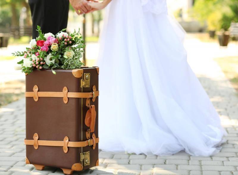 Оригинальные таблички для фотосессии на свадьбу – тонкости выбора и мастер-класс