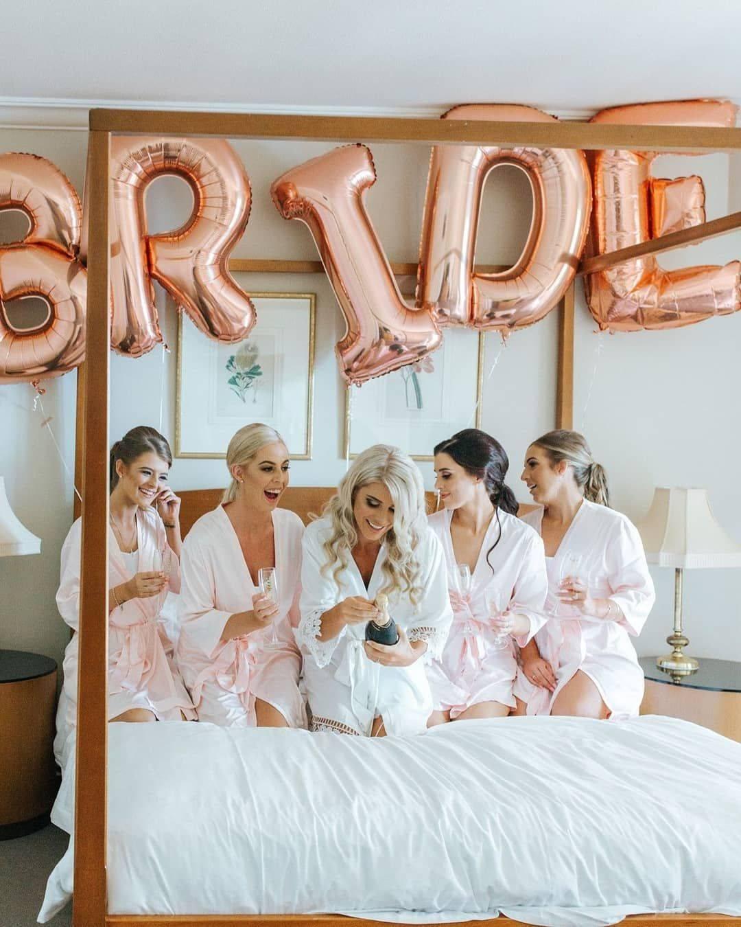 Сюрприз на девичник для невесты: лучшие идеи, как удивить подружку