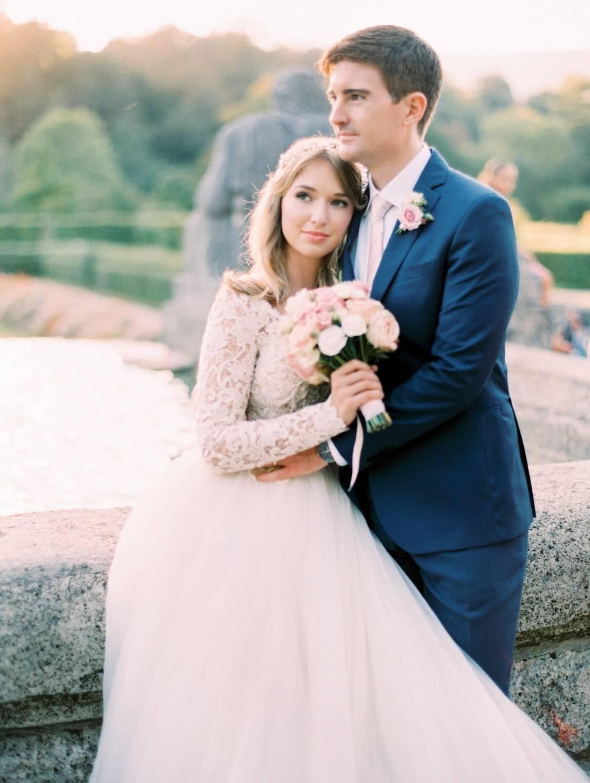 Интересные идеи для оформления бело-синей свадьбы