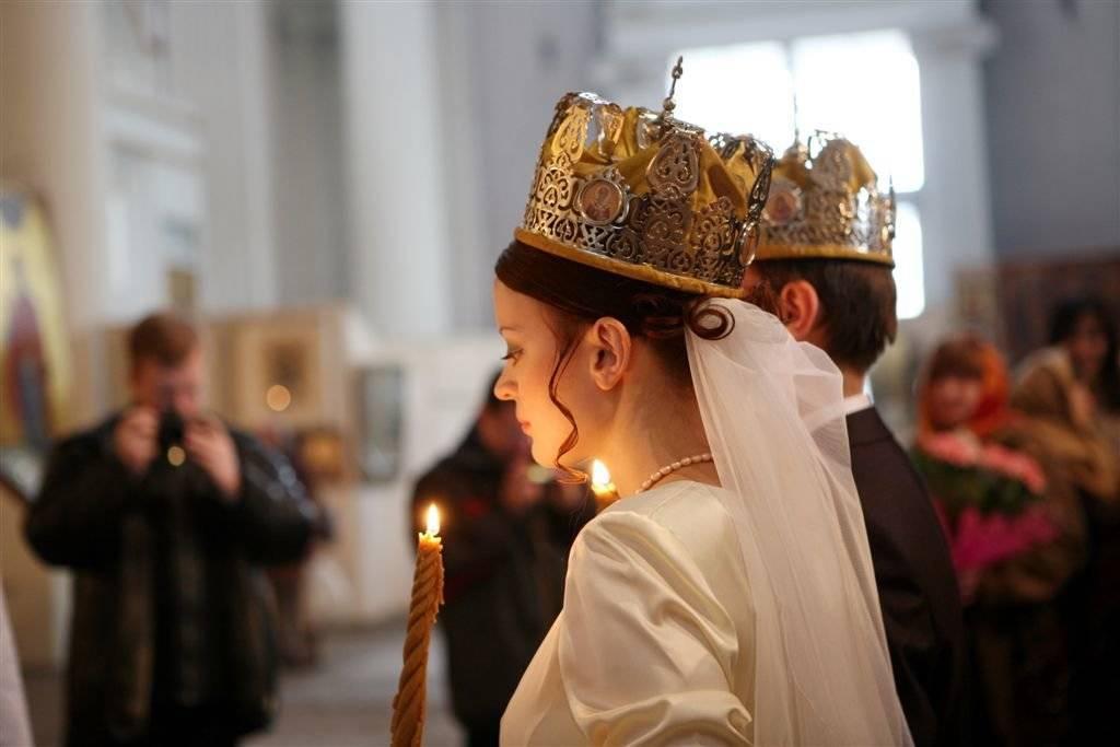 Как развенчаться в церкви после развода: в одностороннем порядке, если снова женился, в москве, документы, последствия