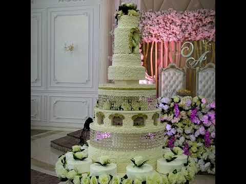 Торты на свадьбу, украшенные кремом