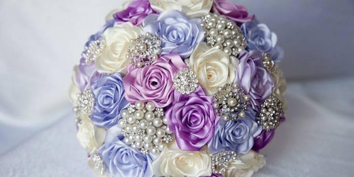 Букет невесты из атласных лент своими руками