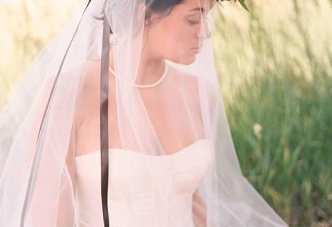 Невеста без фаты: что говорят приметы и чем заменить надоевший аксессуар?