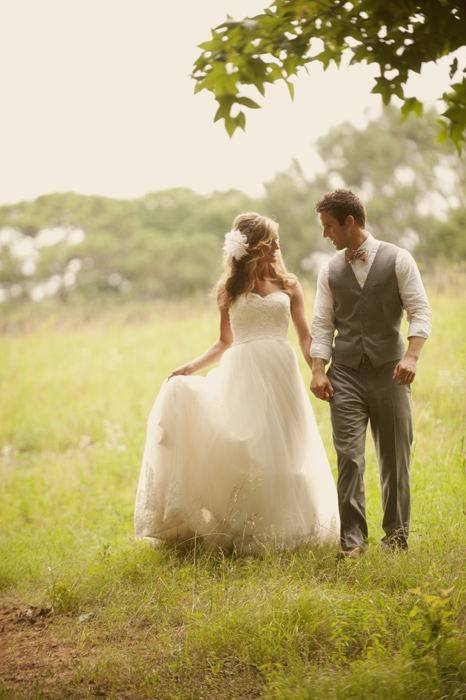 Как подобрать костюм жениха к платью невесты